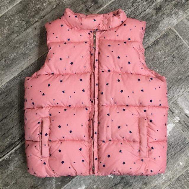 87ced0f50e68 Gap 4t Girl s Star Print Puffer Vest
