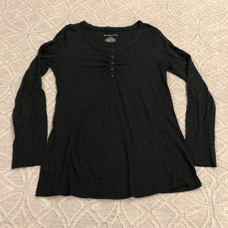 659149d9b04b4 Liz Lange Maternity Black Shirt