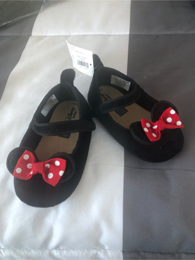 NWT Baby Gap Minnie Mouse Soft Shoes