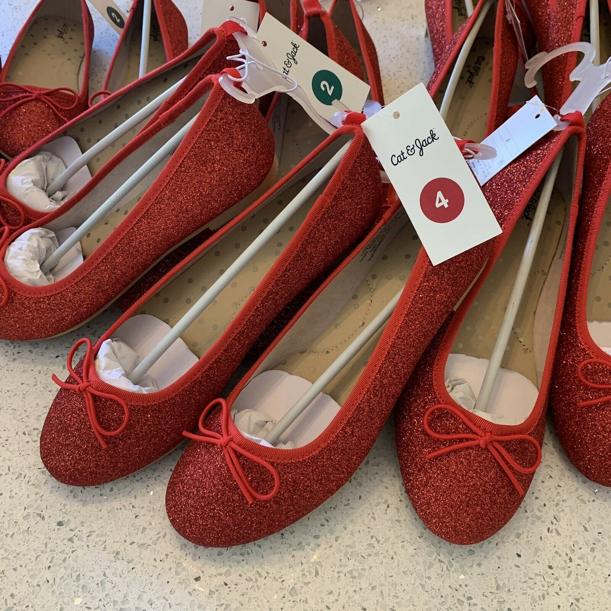 NWT Red Glitter Cat /& Jack Youth Big Girls Genice Ballet Flats