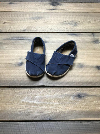 Navy Toms Shoes