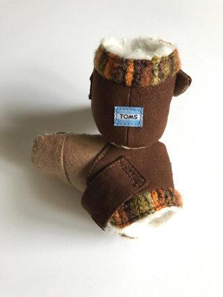 TOMS Soft Boots