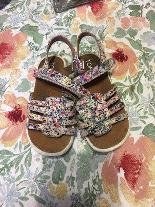 Floral Strapped Sandals