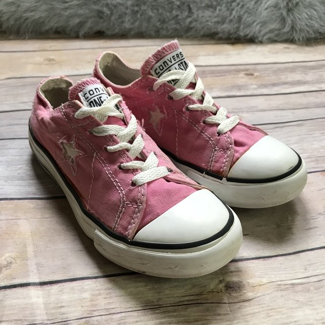 fd01045f0505 Converse One Star Pink White Low Sneakers 13 Girls